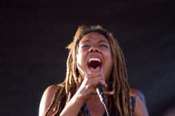 Jennifer Jones performs at the Bay Area Vibez Festival at the Middle Harbor Shoreline Park, Sunday, Sept. 28, 2015. Photo by Erin Baldassari/East Bay Express.